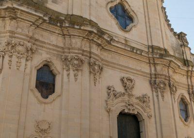 Ingresso della chiesa della Collegiata a Maglie