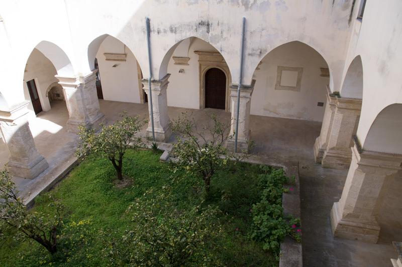 Specchia one of the most beautiful hamlets in italy for Interno a un convento
