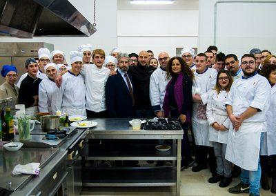 Il preside, i docenti e gli studenti con Ivan Tronci e Antonio Blandolino