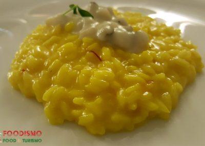 Radici: il risotto allo zafferano del Salento, scorzonera, pastinaca e topinambur